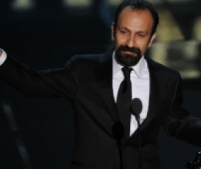 "The Iranian film ""A separation"" receives the Best Foreign Language Oscar"